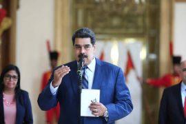 Nicolás Maduro renueva su mandato