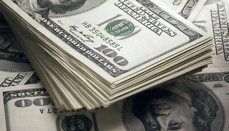 El dólar alcanza los $700, su valor más alto desde febrero de 2016