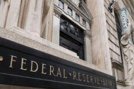 Trump arremete nuevamente contra la Fed para que baje las tasas de interés