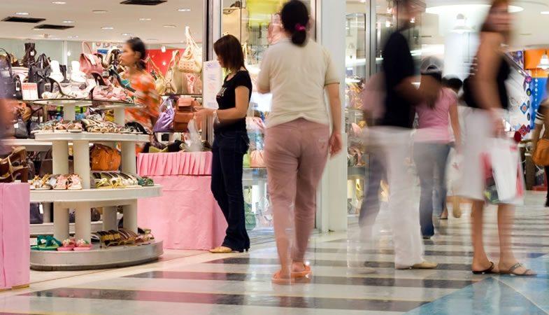 Las ventas del sector minorista en la RM anotaron una baja del 3,7% durante junio
