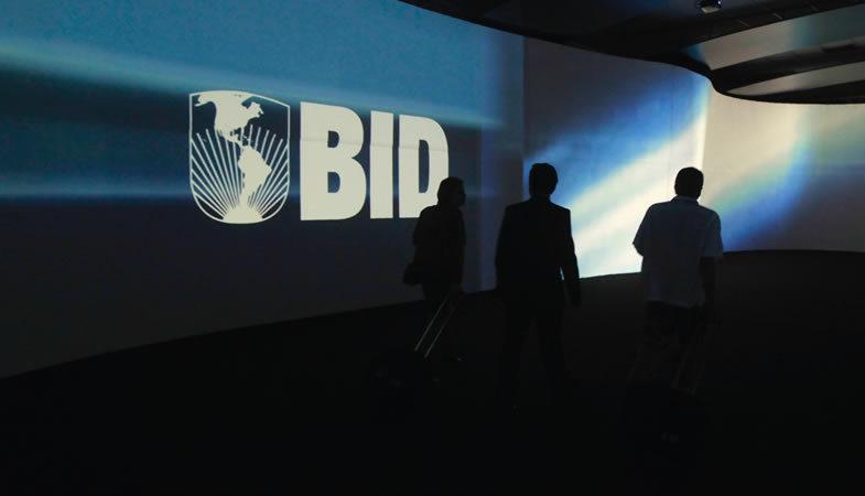 Banco Interamericano de Desarrollo aprobó crédito a Chile por US$300 millones