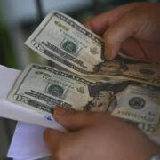 Banco Mundial: remesas enviadas por migrantes latinos se mantienen sólidas