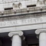 Reserva Federal de Estados Unidos mantendrá política monetaria ante signos de recuperación